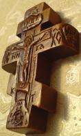 Резной деревянный крестик с АНГЕЛАМИ
