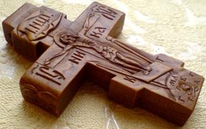 Резной крестик с АРХАНГЕЛАМИ Михаилом и Гавриилом