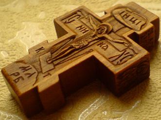 Резной крестик с АРХАНГЕЛАМИ
