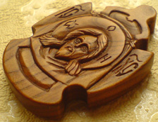 Резной деревянный крестик. Ручная работа