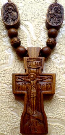 Резной крестик с образками