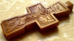 Нательный деревянный крестик. Ручная резьба