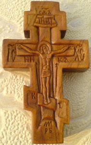 Резной крестик с ангелами