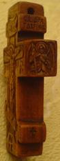 Резьба. Крестик с Архангелами.