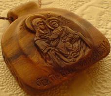 Резной медальон. Образ Богородицы Смоленская.