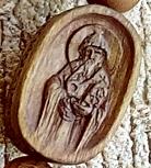 Резная деревянная иконка к нательному крестику. Святитель Спиридон Тримифунтский.