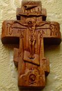 Резной деревянный нательный крестик с АНГЕЛАМИ